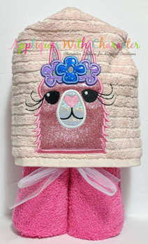 Llama Head Applique Design