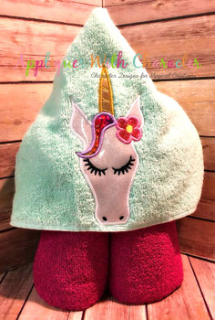 Unicorn with Flower Peeker Applique Design