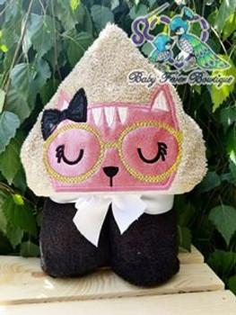 Smart Kitty Peeker Applique Design