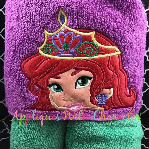 Mermaid Crown Peeker Applique Design