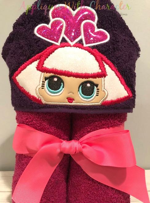 Hearts Doll Peeker Applique Design