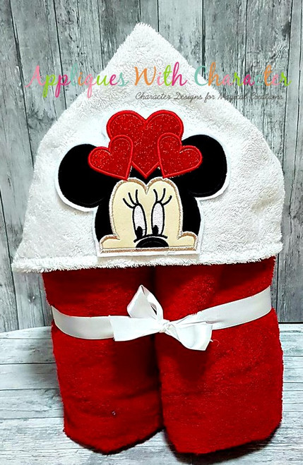Miss Mouse with Hearts Peeker Applique Design