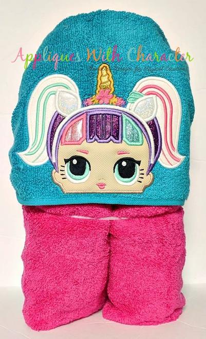 Unicorn Peeker Doll Applique Design