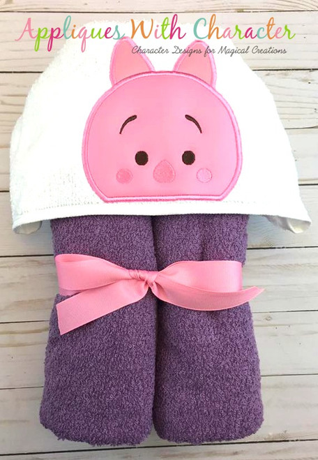 Honey Bear Pig Peeker Applique Design