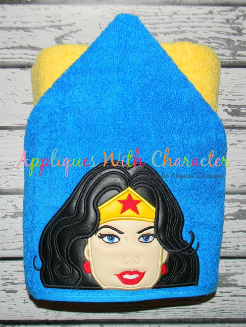 Wonder Woman Peeker Applique Design