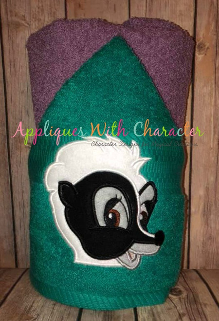 Bambie Flower Skunk Peeking Applique Design