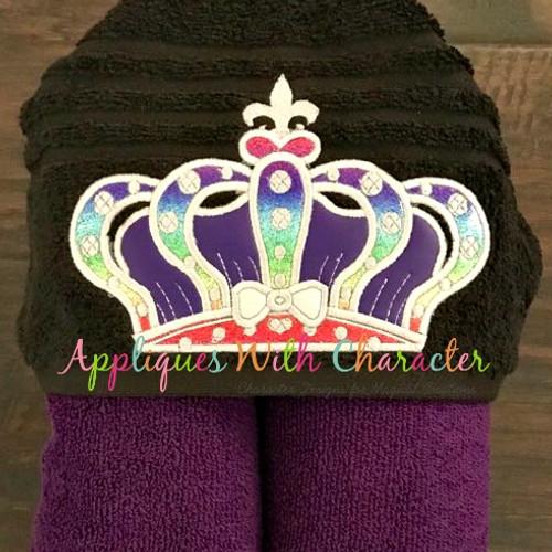 Crown Peeker Applique Design