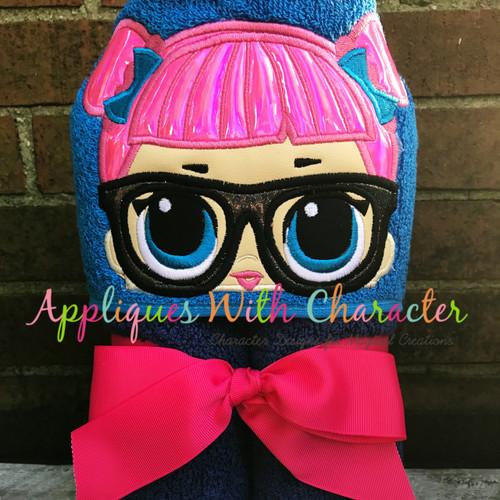 Teacher's Pet Doll Peeker Applique Design