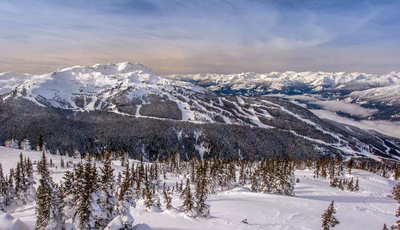 5 Scenic Ski Resorts to Visit on the West Coast