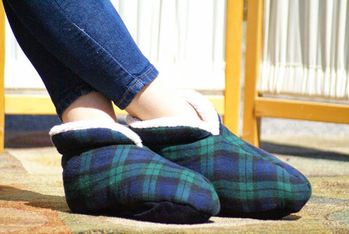 Heat Your Feet Slippers – Green Soft Dot – SMALL - OUTLET SALE