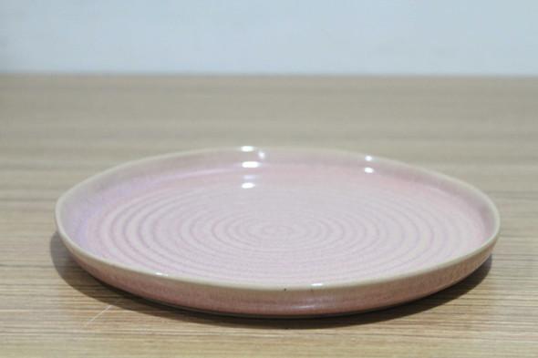 BJY17178A-D17615K1 PLATE SHINY PINK REACTIVE GLAZE  W/ EMBOSSED DESIGN