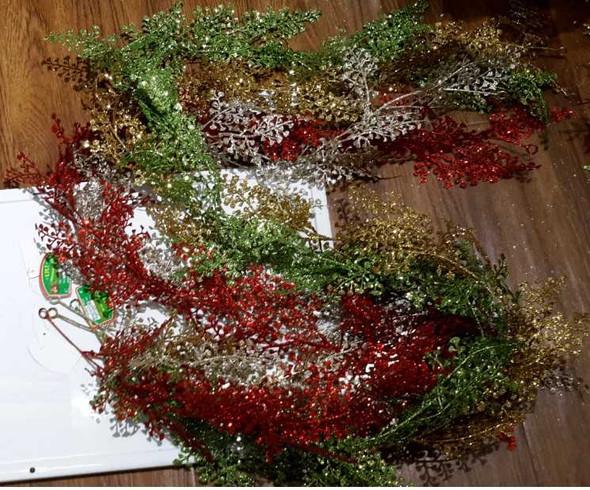 RHM1707-062 Christmas Fillers Leaf Design 3 Colors