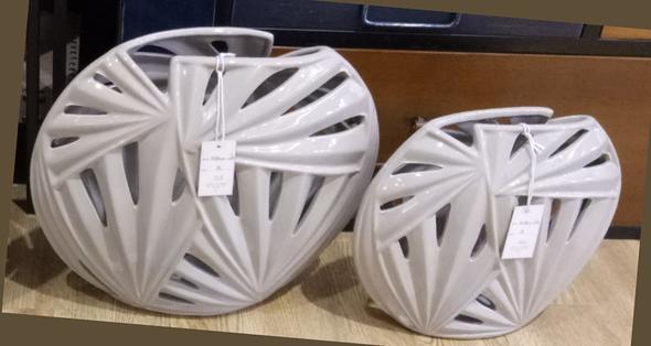 Modern Elegant Ceramic Vase Medium