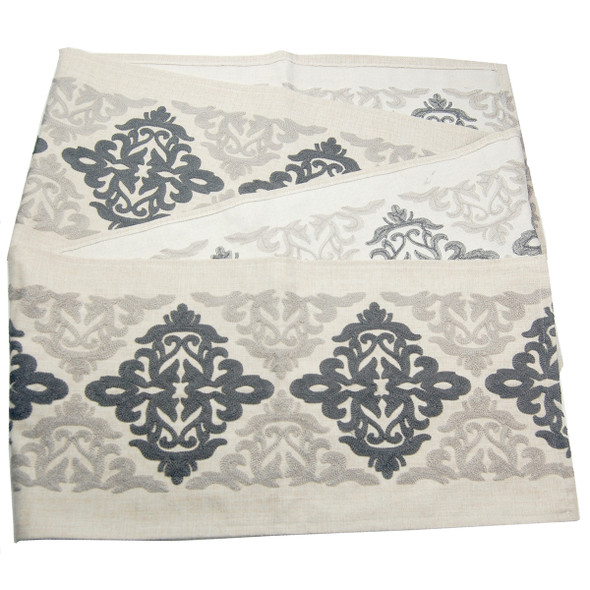 S-8579 33X135CM 4/6STR BLACK PAISLEY EMBRO TABLE RUNNER