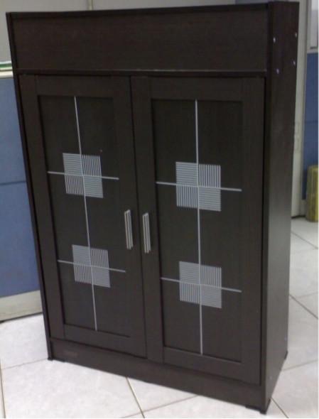 LS-017780 2 DOOR SHOE CABINET