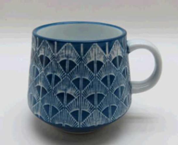 MUG PORCELAIN SHINY WHITE INSIDE BLUE OUTSIDE W/ UNDERGLAZED HANDPAINTING DESIGN