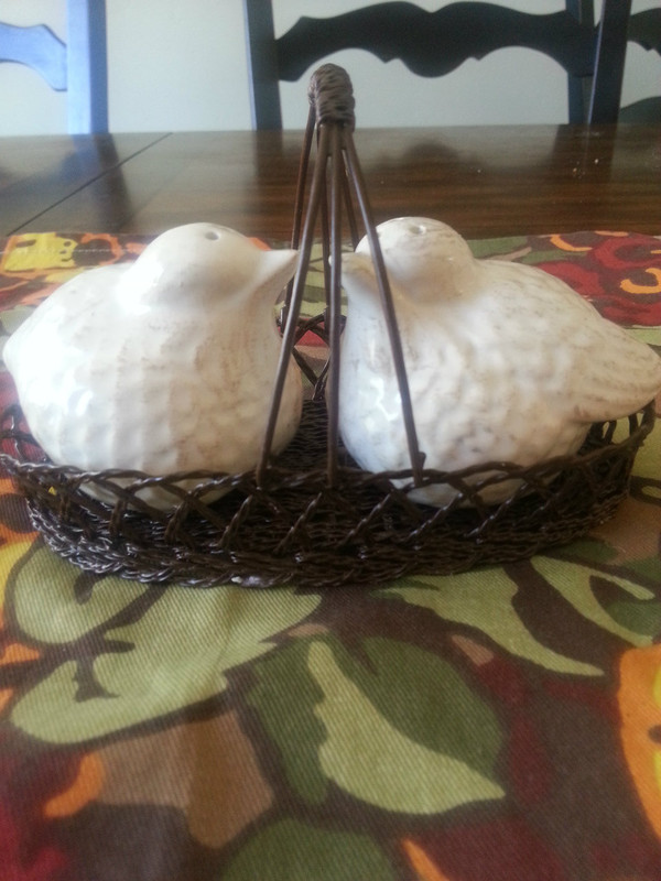 """Birds in a Basket"" Salt n Pepper shakers"