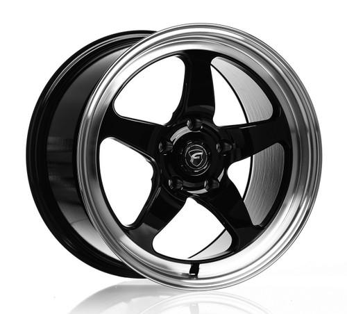 Forgestar D5 Gloss Black Wheel w/Machined Lip + Dual Knurling 15x10 +50 5x4.5BC for Ford Vehicles #1510D5BLKMC50545