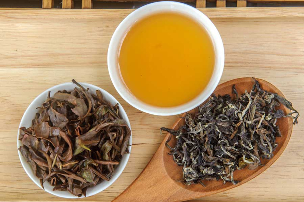 Oriental Beauty Oolong Tea Vietnam Dry, Wet, Cup