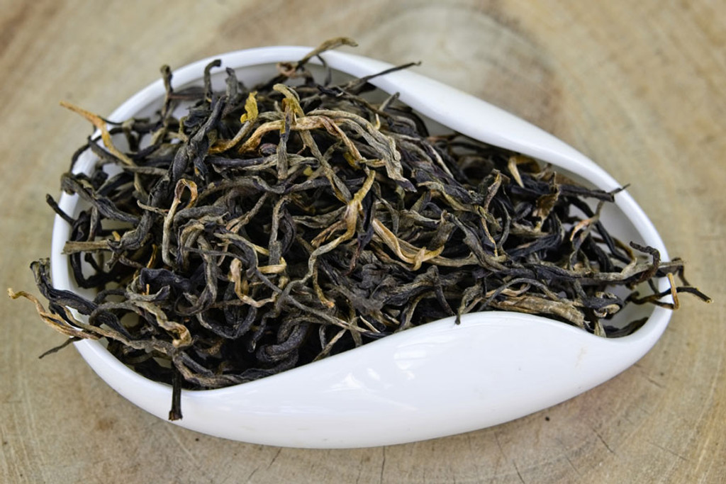 Mossy Frog Black Tea Suoi Giang Vietnam Dry Leaves
