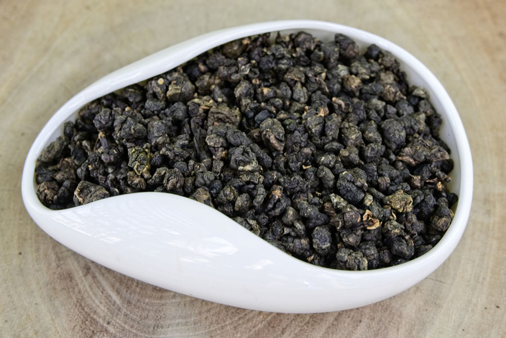 Sun Bear Oolong Tea Dry Leaves