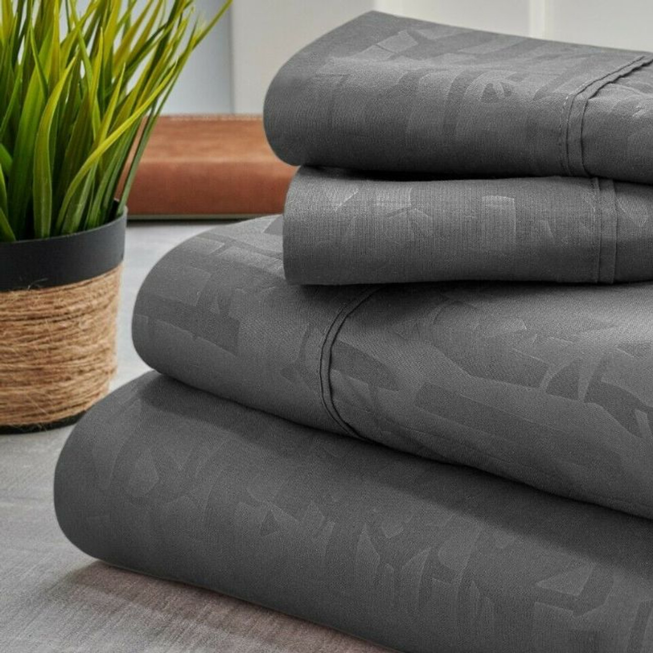 Bamboo 1800 Count Embossed Design 4-Piece Sheet Set