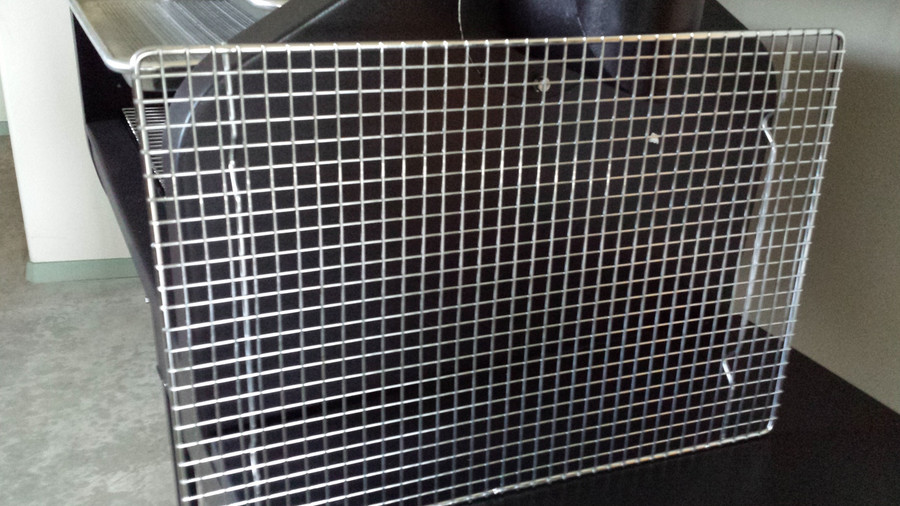 Wire rack insert for the Bull Rack System.  This works for the BR4, BR6 drip or perforated trays.