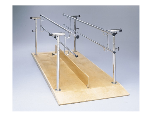 platform mounted accessories divider board for parallel bars