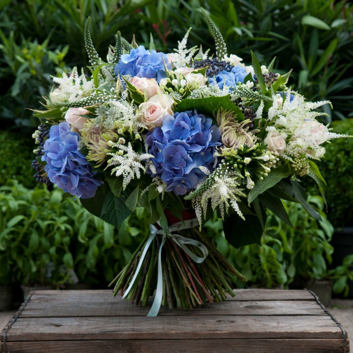 luxury hydrangea and roses bouquet