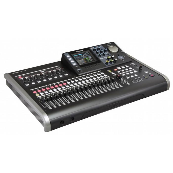 TASCAM DP24SD Portable Studio 1