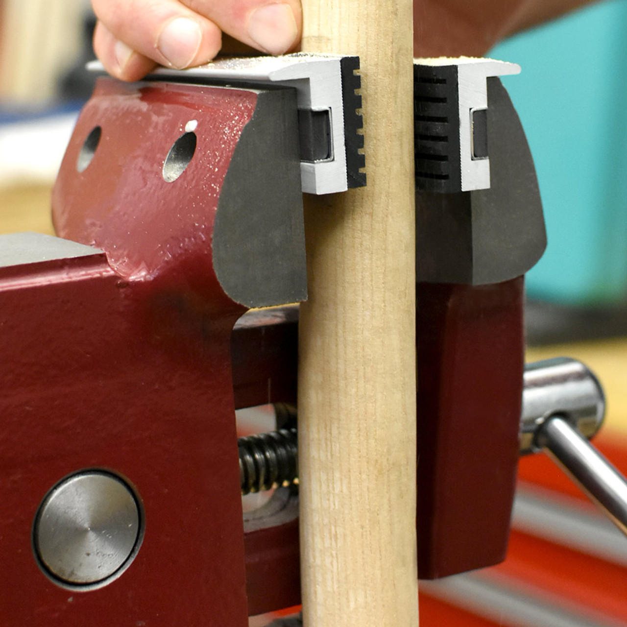 """RDGTOOLS MAGNETIC VICE JAWS 4/"""" LONG ALUMINIUM WITH RED FIBRE COATING"""