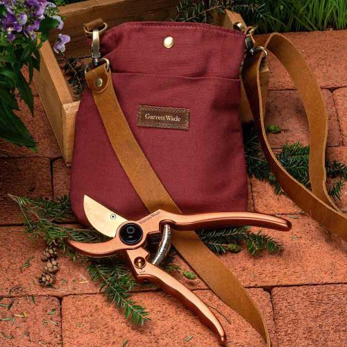 Ladies USA Garden Pouch & Ultra-Sharp Pruner