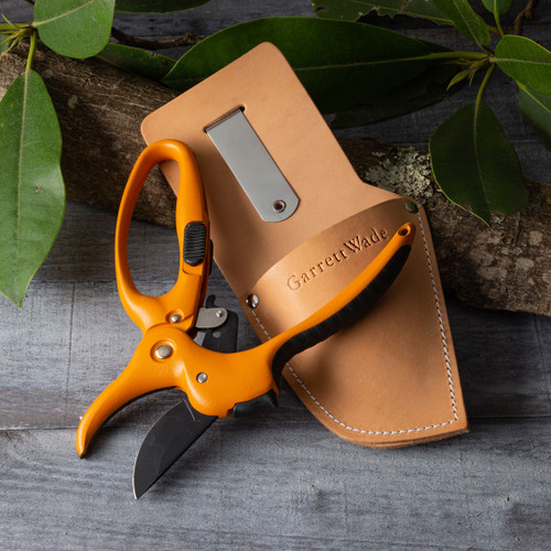 Ratcheting Hand Pruner and Leather Sheath