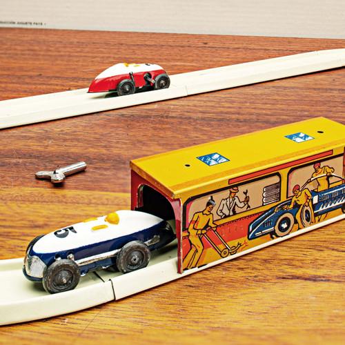 Vintage Inspired Tin Raceway Set
