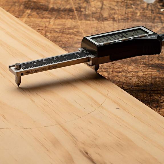 Digital Woodworking Gauges