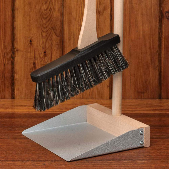 Stand-Up Dustpan and Broom