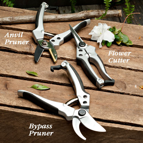 Set of 3 Matched Pruners