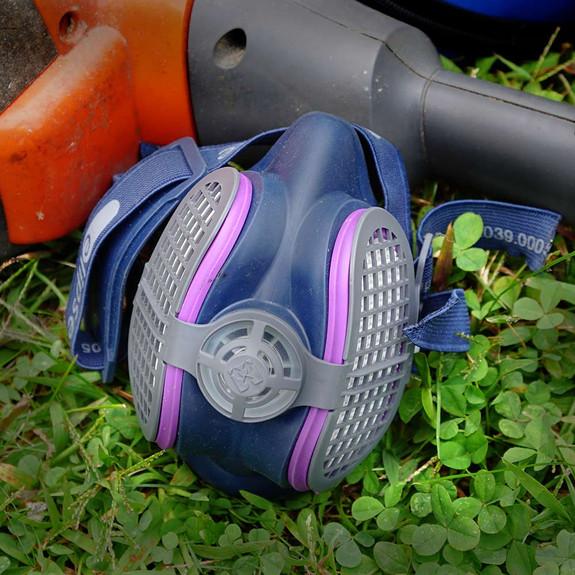 Lightweight Respirator/Dust Mask