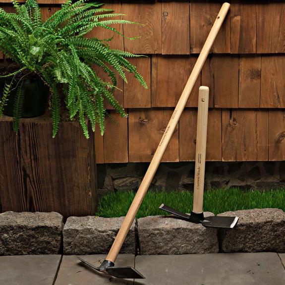 Garden Hoe w/ Wide Blade
