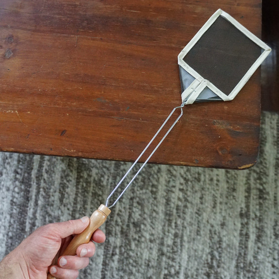 Real Old-Fashioned Fly Swatter -Single