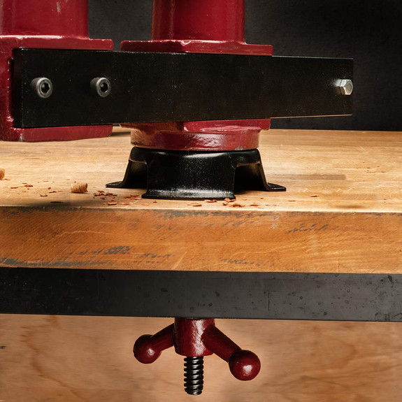 Exceptionally Flexible Workbench Vise