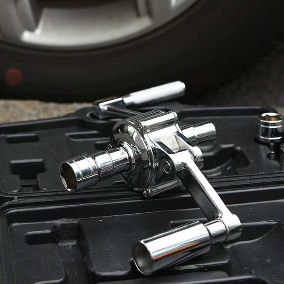 Geared Lug Nut Remover