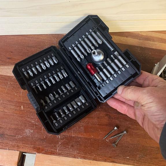 48 Piece Ratcheting Stubby Driver & Bit Set