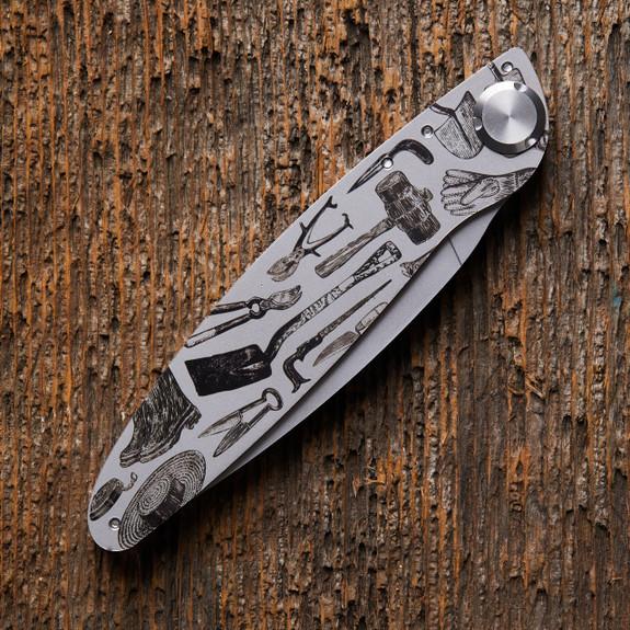 Engraved Garden Tool Folding Knife - closed