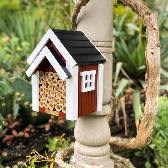 Bee Nest to Encourage Pollinators