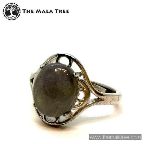 LABRADORITE Ring Set in Silver