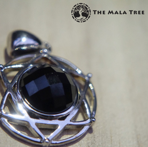 SPINEL SILVER PENDANT (Faceted, Silver Hexagram / Star of David)