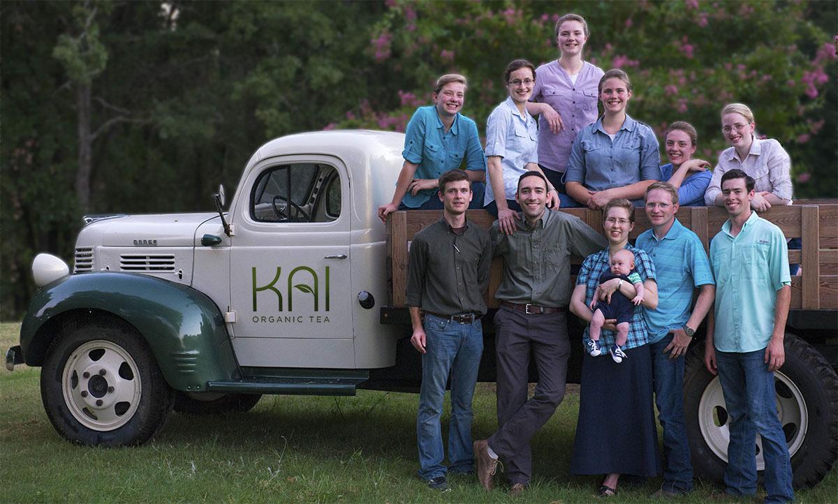 kai-organic-tea-team-photo2016.jpg
