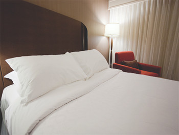 White Valley Classic Hotel Flat Sheets