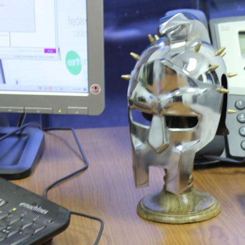 Miniature Gladiator Maximus Helmet Display